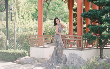 Cantonese Wedding Inspiration With A Misty Grey Bridal Qipao