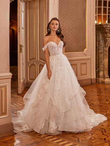 Extravagant Wedding Dresses for 2021 2022 – Val Stefani – Bridal Musings – D8278 A