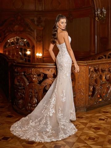 How to Plan A Luxurious Wedding At Home – Moonlight Bridal – Bridal Musings – J6822_B