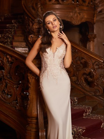 How to Plan A Luxurious Wedding At Home – Moonlight Bridal – Bridal Musings – J6826_C4