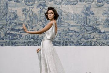 Romantic and Chic Portuguese Bridal Editorial – Couplet – A La Robe Bridal 3