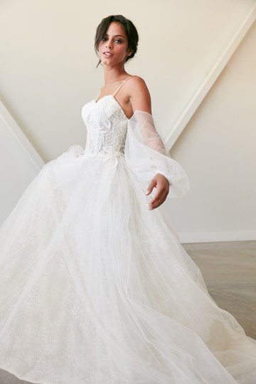 Lyra Vega Online Wedding Dresses Made-to-Measure Under 1200 – Bridal Musings 44
