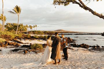 Korean Hawaiian Elopement with a Traditional Ceremony – Alyssa Luzaich Photography – Kukio Beach – Bridal Musings 9