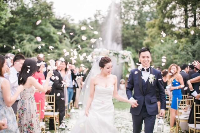 JadaPoon-Shanghai-MoniqueLhuillier-Centralweddings-TheLaceAtelier-JennyPackham-film-outdoor-destination-overseas-wedding-hongkong-060