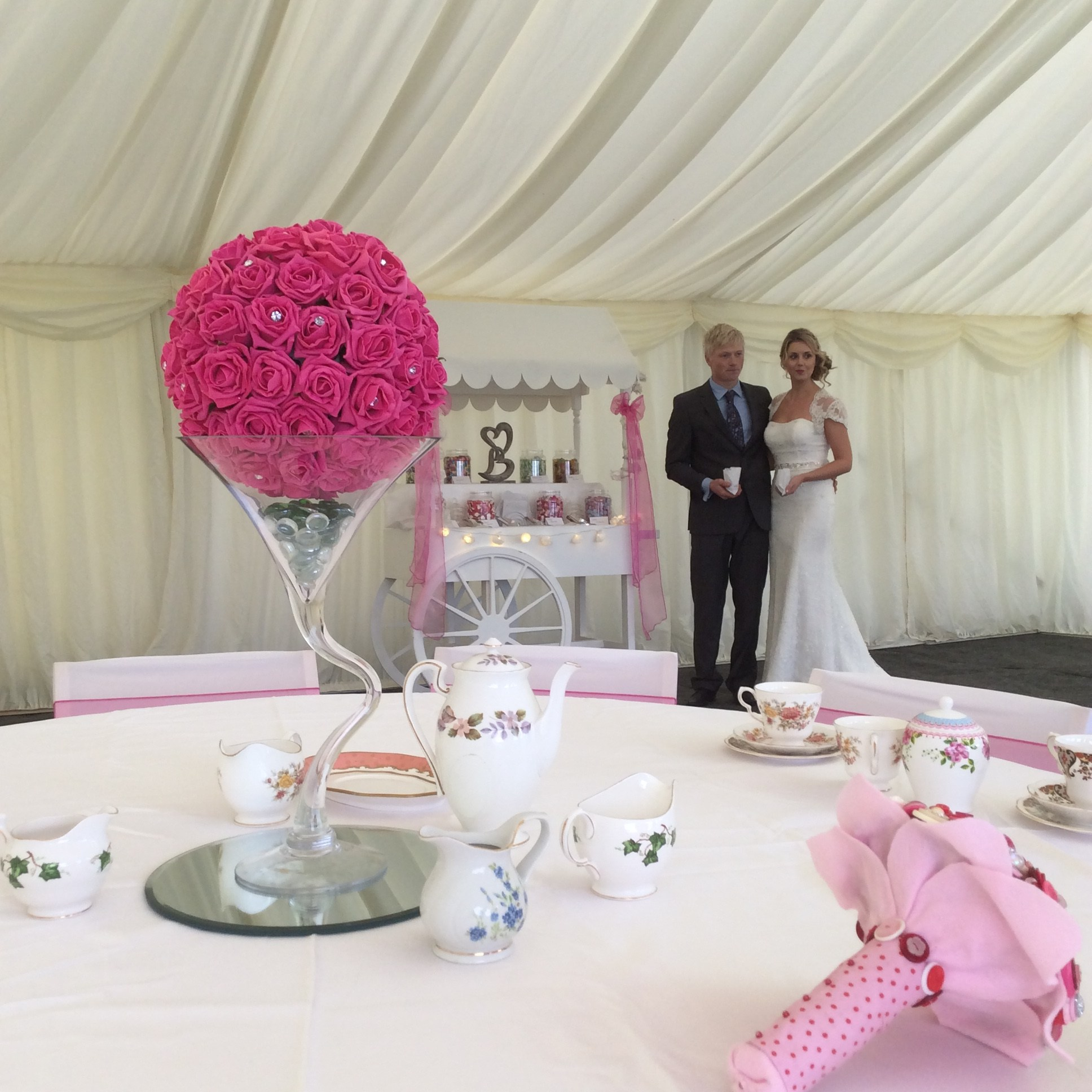 wedding chair cover hire bournemouth ergonomic adjustable lumbar support balloon a room weddings decoration and bridebook