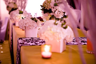 Green and damask headtable