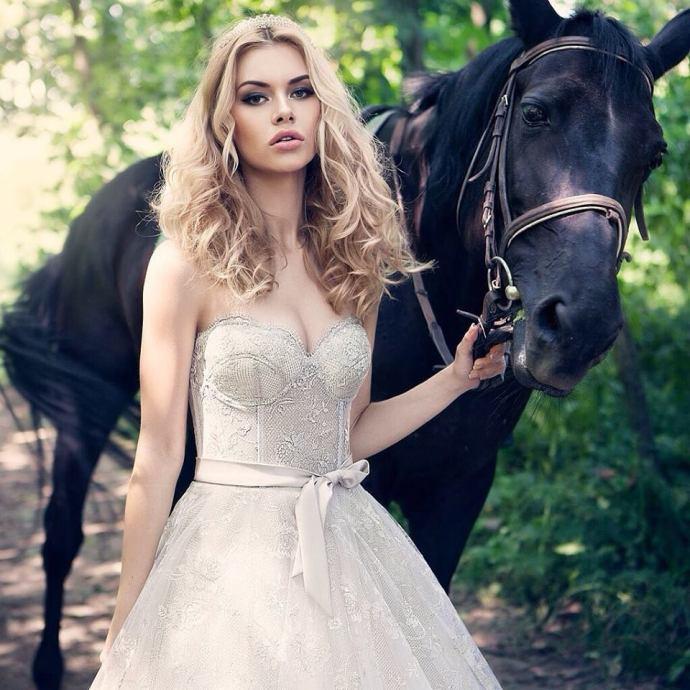 ricca spora, wedding dress