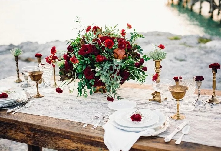 Wedding decoration tips to create your dream atmospherebrides on a wedding decoration tips to create your dream atmosphere junglespirit Gallery