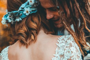 Alternative Hair Ideas For A Non-Traditional Wedding