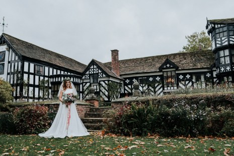 A Styled Bridal Shoot at Gawsworth Hall (c) Jenny Appleton (10)