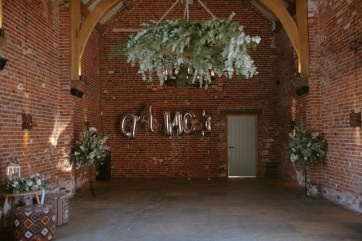 A Stylish Wedding at Hazel Gap Barn (c) Ruth Atkinson (44)
