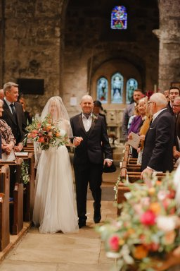 A Boho Luxe Wedding at Healey Barn (c) Helen Russell Photography (11)