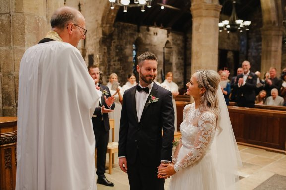 A Boho Luxe Wedding at Healey Barn (c) Helen Russell Photography (15)
