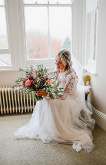 A Boho Luxe Wedding at Healey Barn (c) Helen Russell Photography (6)
