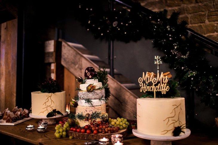 A Chic Winter Wedding at Wharfedale Grange (c) Daz Mack (36)