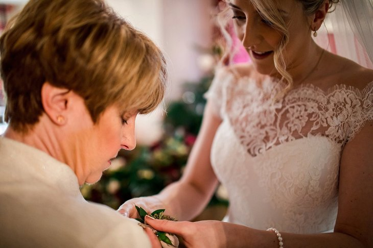 A Chic Winter Wedding at Wharfedale Grange (c) Daz Mack (9)