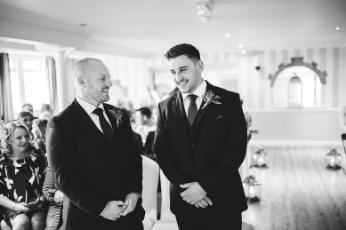 A Country Wedding at The New Hobbitt (c) Hayley Baxter Photography (17)