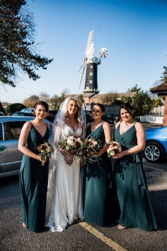 A Winter Wedding at The Millhouse (c) Kazooieloki Photography (22)