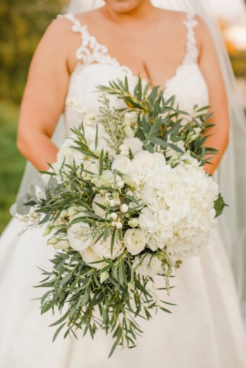 Stella York for a Romantic Wedding at Le Petit Chateau (c) Helen Russell Photography (45)