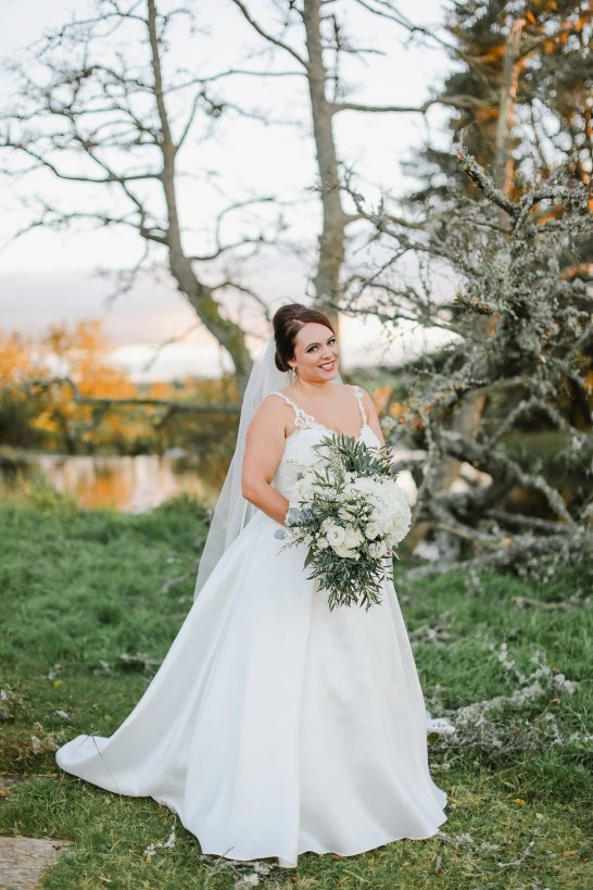 Stella York for a Romantic Wedding at Le Petit Chateau (c) Helen Russell Photography (46)
