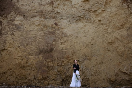 A Contemporary Coastal Bridal Shoot at Marsden Rock (c) Leanne Elizabeth Photography (13)