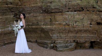 A Contemporary Coastal Bridal Shoot at Marsden Rock (c) Leanne Elizabeth Photography (2)