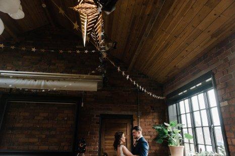 A Cool Styled Bridal Shoot at The Chimney House (c) Folega Photography (15)