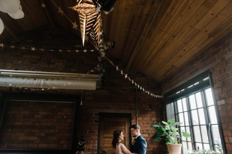 A Cool Styled Bridal Shoot at The Chimney House (c) Folega Photography (15)