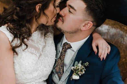 A Cool Styled Bridal Shoot at The Chimney House (c) Folega Photography (20)