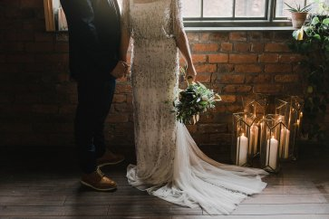 A Cool Styled Bridal Shoot at The Chimney House (c) Folega Photography (36)