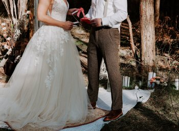 Wild styled bridal shoot (c) The Malyn Edit (11)
