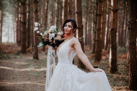Wild styled bridal shoot (c) The Malyn Edit (21)