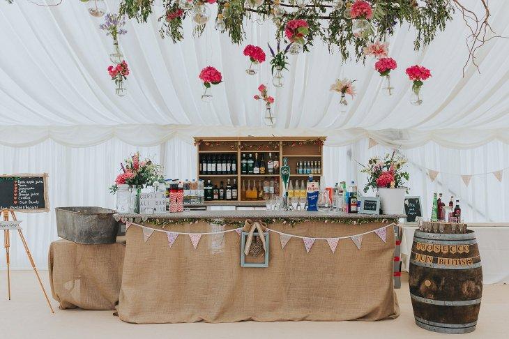 A Stylish Wedding in Yorkshire (c) Laura Calderwood Photography (13)