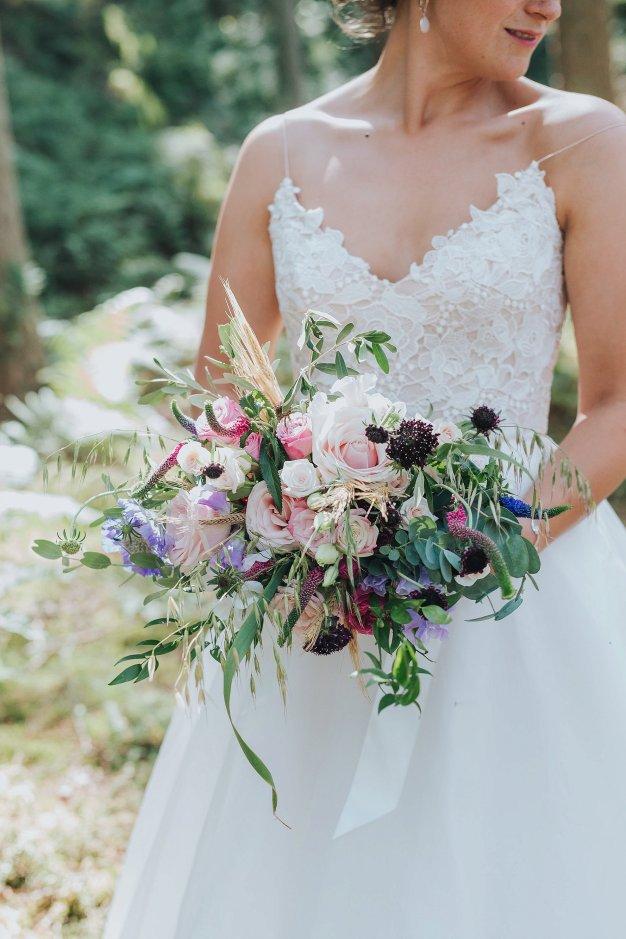 A Stylish Wedding in Yorkshire (c) Laura Calderwood Photography (40)