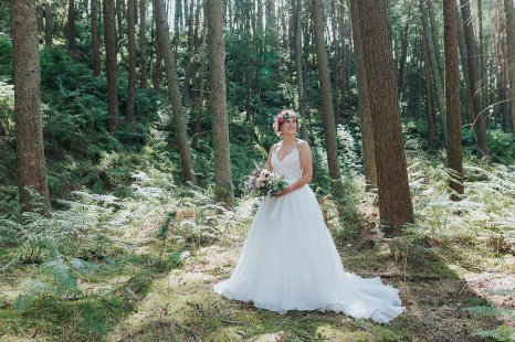 A Stylish Wedding in Yorkshire (c) Laura Calderwood Photography (42)