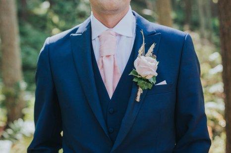 A Stylish Wedding in Yorkshire (c) Laura Calderwood Photography (44)