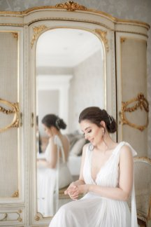 An Elegant Styled Bridal Shoot at Delamere Manor (c) Zehra Jagani (14)