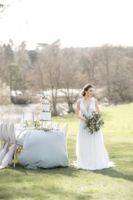 An Elegant Styled Bridal Shoot at Delamere Manor (c) Zehra Jagani (29)