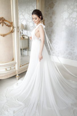 An Elegant Styled Bridal Shoot at Delamere Manor (c) Zehra Jagani (9)