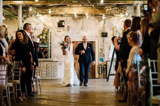 A Fairylit Real Wedding at Holmes Mill (c) Madison Picture (12)