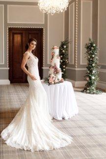 A Romantic Bridal Shoot in Manchester (c) Zehra Jagani (36)