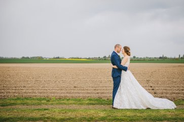 A Rustic Wedding at Barmbyfield Barns (c) Amy Jordison Photography (26)