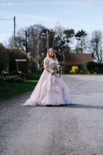A Woodland Wedding at The Aldwark Arms (c) Aaron Jeffels Photography (12)