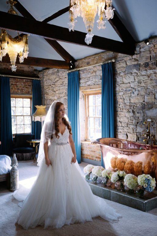 A Spring Wedding at Le Petit Chateau (c) Forget Me Knot Weddings (14)