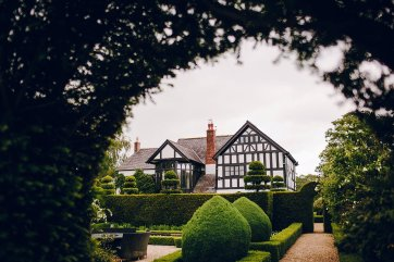 A Colouful Wedding at The Holford Estate (c) Amy B Photography (10)