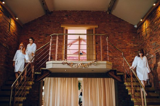 A Colouful Wedding at The Holford Estate (c) Amy B Photography (13)