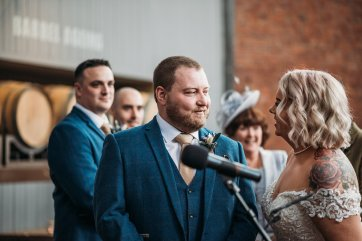 A Cool Wedding at Wylam Brewery (c) Fiona Saxton (65)