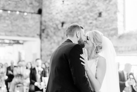 A Romantic Wedding at Eden Barn (c) Emma Pilkington (25)