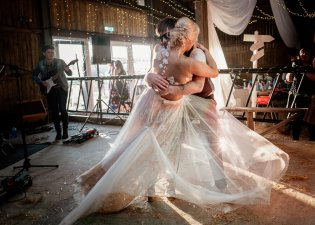 A Rustic Wedding in Scarborough (c) Andy Withey Photography (75)