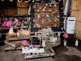 A Rustic Wedding in Scarborough (c) Andy Withey Photography (81)